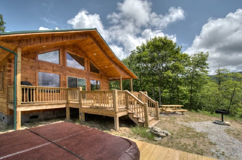 Log cabin construction portfolio honeymoon ridge for Smoky mountain ridge cabins